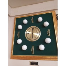 SPECCLOCK1 Oak Frame with Golf Balls & Green Felt Background.